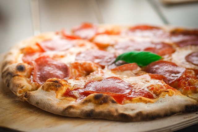 Best Outdoor Pizza Oven Reviews: Top 10 Pizza Ovens For The Backyard