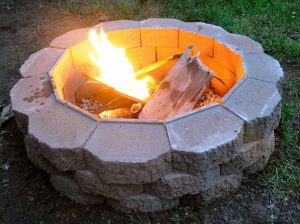 15 Backyard Fire Pit Ideas