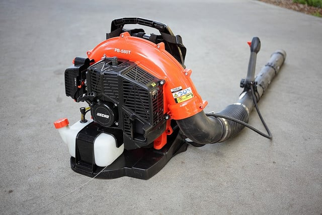 12 Best Gas Powered Leaf Blowers 2018